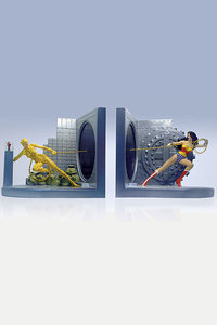 Wonder Woman Deluxe Bookends